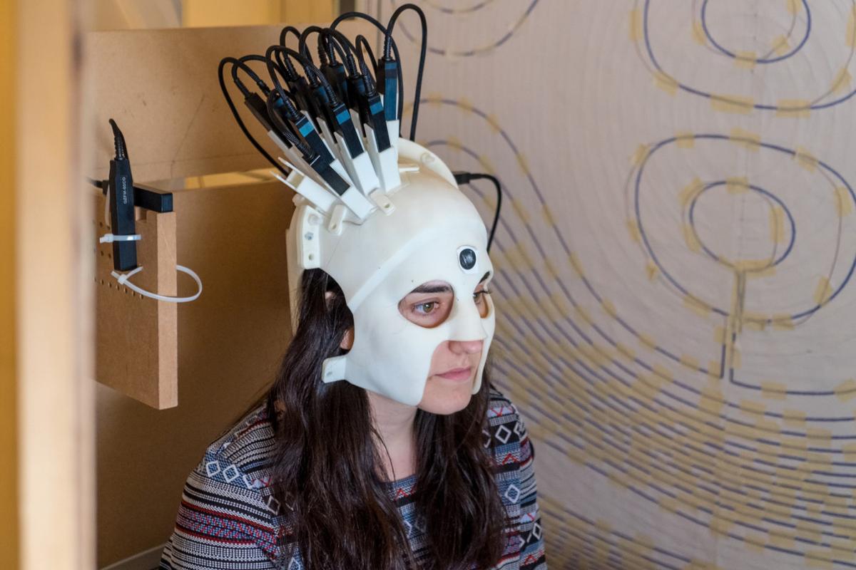 Capacete digital ajuda crianças com problemas neurológicos