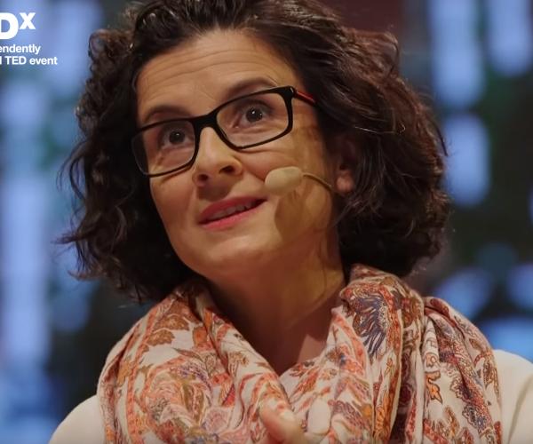 Errar é natural – Ana Teresa Maia – TEDx Talks
