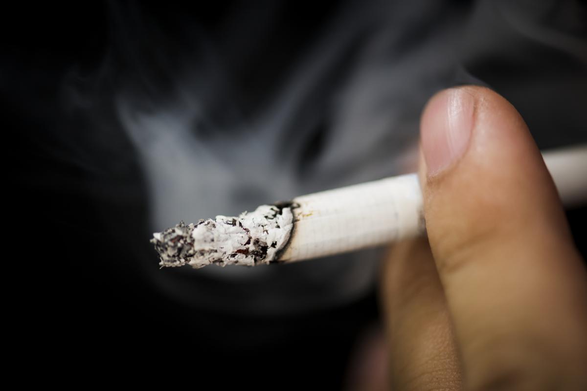 Filhos de pais fumadores podem ter danos cerebrais irreversíveis