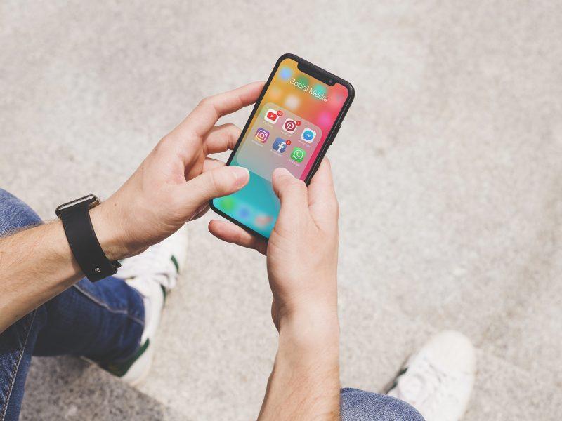 """Utilizar telemóvel durante uma pausa de trabalho pode impedir cérebro de """"recarregar"""""""